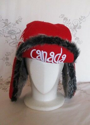CANADA CANADIAN SOUVENIR WINTER TRAPPER HAT w EAR FLAPS – 100% ACRYLIC – MEDIUM