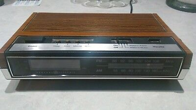 Vintage General Electric GE AM FM Alarm Clock Radio 7-4633D Woodgrain Finish
