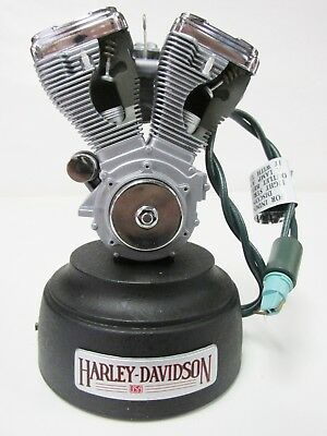 Hallmark Keepsake Ornament - Harley-Davidson * Big Twin Evo Engine * Lights Up !