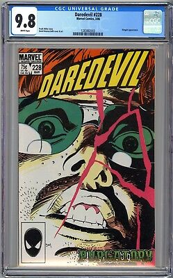 Daredevil #228 - Cgc 9.8 - Wp - Nm/mt - Born Again - Kingpin
