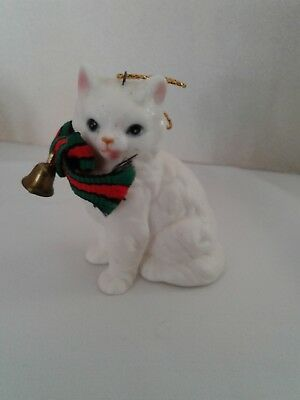 VINTAGE White CAT CHRISTMAS ORNAMENT Enesco 1985 Plaid Ribbon BELL Hand Painted