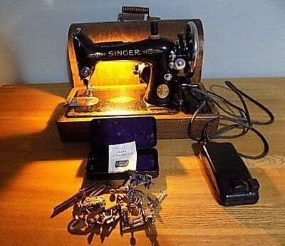 Antique Vintage Singer Sewing machine 1938  Working