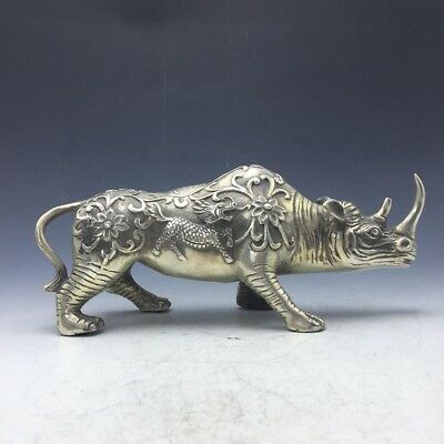 Collection of ancient Chinese rare hand-carved Tibetan silver cow statues  a183