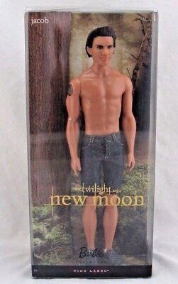 The Twilight Saga New Moon JACOB Barbie Pink Label Doll, New in Package