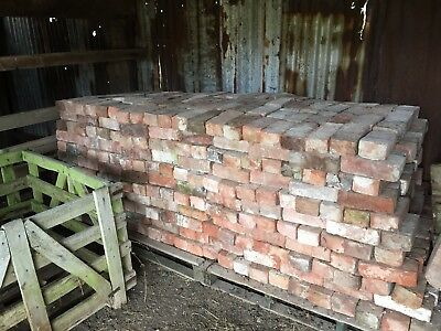 Reclaimed Cleaned Bricks 9 x 3 imperial (1000 available) £1 Each