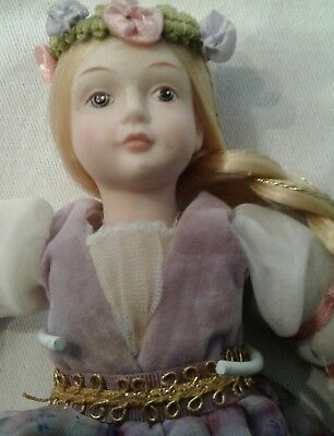 VINTAGE RETIRED 1986 AVON Fairy Tale Rapunzel Porcelain Doll Collection w/Stand