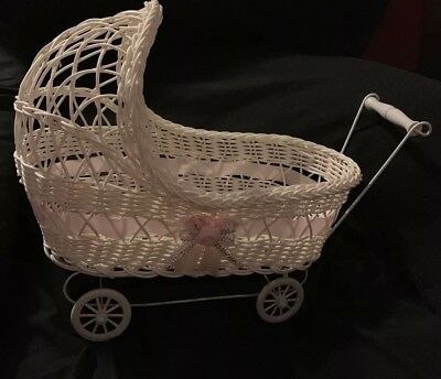 Gorgeous Vintage Antique Cane & Wire Collectors Dolls Pram ❤️ White Excellent
