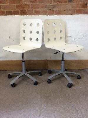 Remarkable Pair Of Funky White Office Adjustable Swivel Chairs On Creativecarmelina Interior Chair Design Creativecarmelinacom