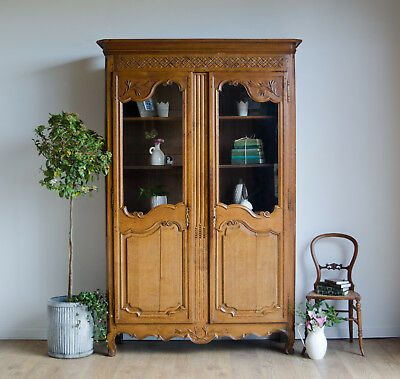 French Antique 19th Century Carved Oak Display Cabinet / Bookcase / Armoire
