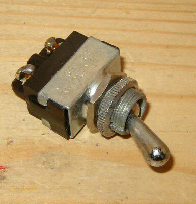 BULGIN VINTAGE MAINS TOGGLE SWITCH - for RADIO, AMPLIFIER, TEST GEAR ETC