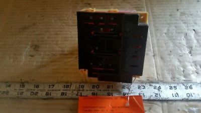 2001 ford mustang cabin fuse box mounted under lh dash 4 6l