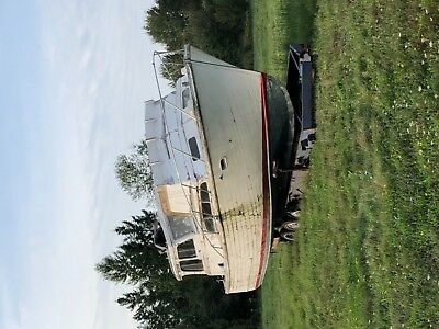 37 FOOT EGG HARBOR W / FLYBRIDGE. No reserve auction