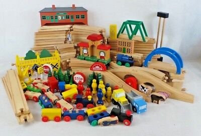 BigJigs - Huge amount of assorted Trains, Rails & Accessories