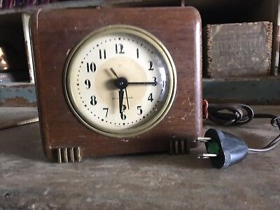 Seth Thomas Vintage Alarm Clock Cat No 367 Wood Frame Feet 1940's Classic Study