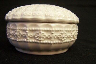 Vintage Small LEFTON Ceramic Cream Colored Embossed Covered Trinket Box