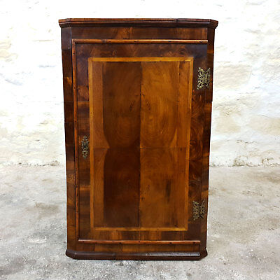 C18th Oyster Veneer Parquetry Walnut Wall Hanging Corner Cabinet