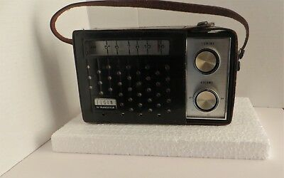 Vintage Elgin 10 Transistor Model R-1100, AM Radio