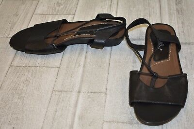 47f7697560f4 EARTH ROMA EARTHIES Sandals-Women s size 5 B Black -  82.50