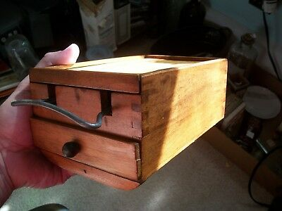 Rare 19Th Century Kitchen Grater Wood Box W/ Drawer Pull Out Top Dovetailed Wow!