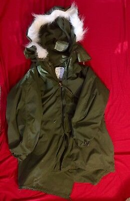 Vintage M-65 Fishtail Extreme Cold Weather Parka W/faux Fur Hood And Liner
