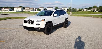 2016 Jeep Cherokee Latitude 2016 Jeep Cherokee Latitude 4x4 White Lifted