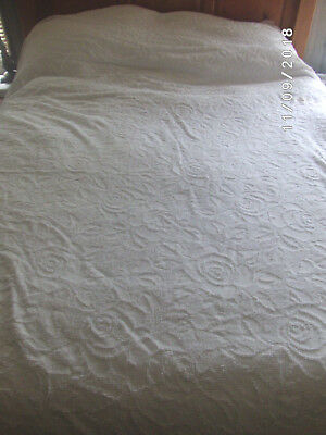 Vintage Cotton Chenille Bedspread White Full (A) Sears Harmony House Roses