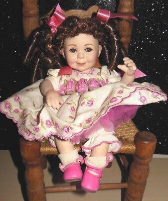 2007 Marie Osmond tiny tot - Dressed in Pink & White Numbered ADORABLE