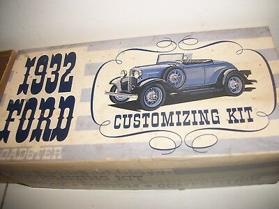 Vintage AMT 3 in 1 1932 FORD CUSTOMIZING MODEL KIT in orig box