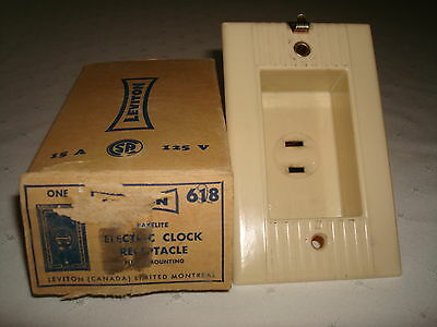 Vintage Leviton Ribbed Ivory Bakelite Electric Clock Receptacle New Old Stock