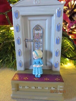 DISNEY Frozen Musical Anna & Elsa Christmas Tree Decoration / Ornament BNWT