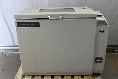 New Brunswick Scientific C25KC Shaking Incubator Class Series 60C Lab