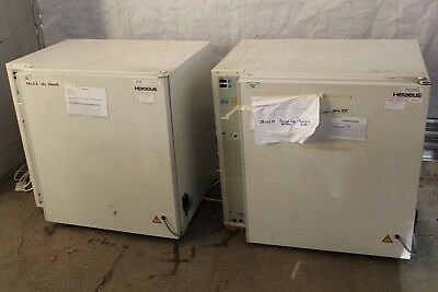 2 x Heraeus BB 6220 Air-Jacketed CO2 Incubator Scientific Laboratory