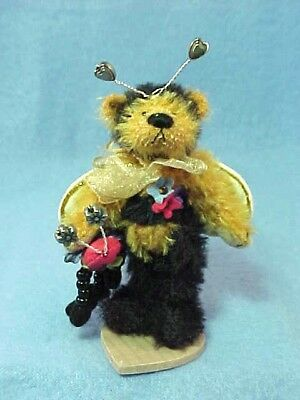 Deb Canham - Bumble  - 2001 DCAD Club Members Excl, - LE  -  Mint - New