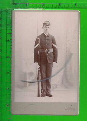 Young Civil War Soldier w/Rifle Antique Cabinet Card Oshkosh, WI
