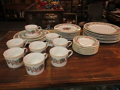 Block Spal Whimsy Christmas dinnerware 32 pieces (8 place settings)