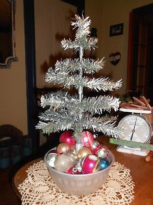 Vintage~Primitive~Farmhouse Christmas Tree~Shiny Brite Ornaments~Simple!