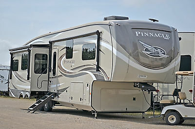 2019 Jayco Pinnacle 36KPTS Rear Living Full Time Luxury Fifth Wheel LOADED