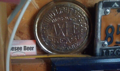 Vintage Shining Light Axle Grease Lid Only    Buffalo NY Collectable