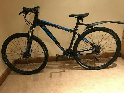 6c86f6e2153 2017 TREK MARLIN 7 Mountain Bike - £315.00 | PicClick UK