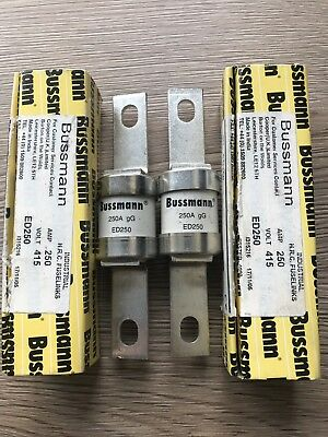 Two Bussmann 250amp Hrc Fuselinks . New Unused
