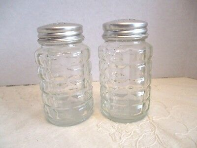 Pair Clear Glass Block Design Salt/Pepper Shakers With Metal Silver Lids Canada
