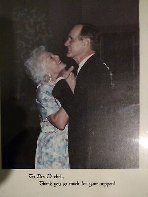 US President George HW and Barbara Bush official photograph photo Mitchell