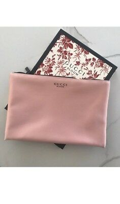 f8b744aa1fc GUCCI PINK Bloom Pouch Makeup Case Clutch Blush Nude Cosmetic Pouch ...
