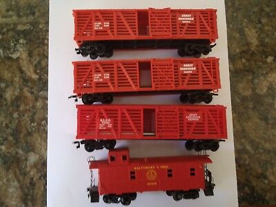 Model Trains Ho Scale 3 Assorted Stock Cars 1 Caboose