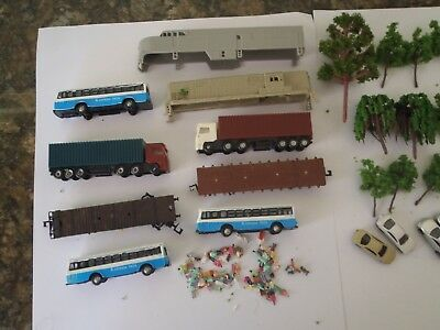 Model Trains N Scale Assorted Lot , Tree's, Poeple,buses, Car's Ect