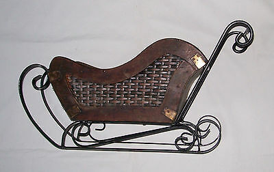 Nice Vintage Collectible Rustic Wood And Metal Sleigh Christmas Display Planter