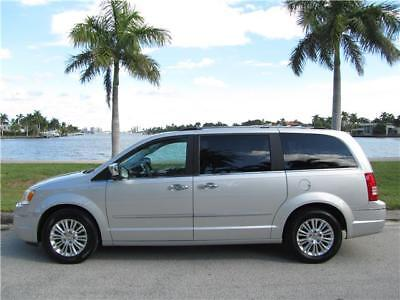 2010 Chrysler Town & Country LIMITED FULLY LOADED LOW MILES FL RUST FREE CLEAN! 2010 CHRYSLER TOWN & COUNTRY LIMITED 4.0  FULLY LOADED LOW 77K MILES NO RESERVE!