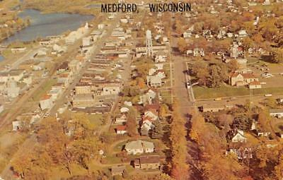 """WI, Wisconsin  MEDFORD BIRD'S EYE VIEW """"Mink Capitol""""  HOMES Taylor Co  Postcard"""