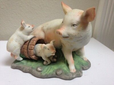 Enesco 1983 Mother Pig with 2 piglets figurine - Taiwan