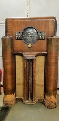 1939 Zenith 7s363 Black Dial Console Tube Radio for parts ,or restore,